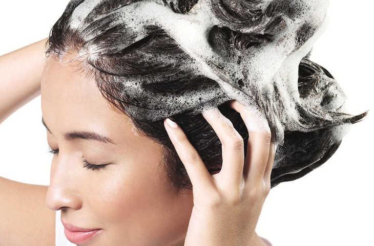 Vale a pena usar shampoo sem sulfato?