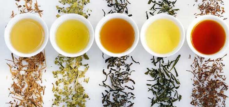 5 diferentes chás que podem melhorar a saúde